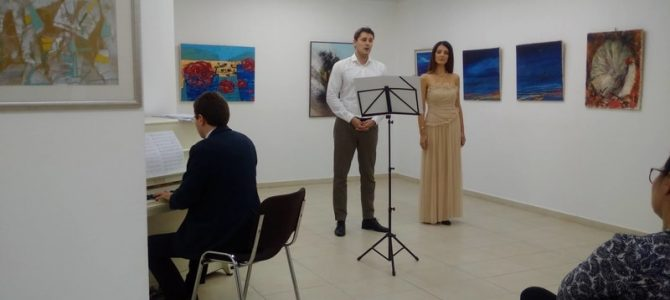 """MOTO u Nišu -""""Od istoka do zapada"""" u """"Art galeriji 55"""" u Nišu"""