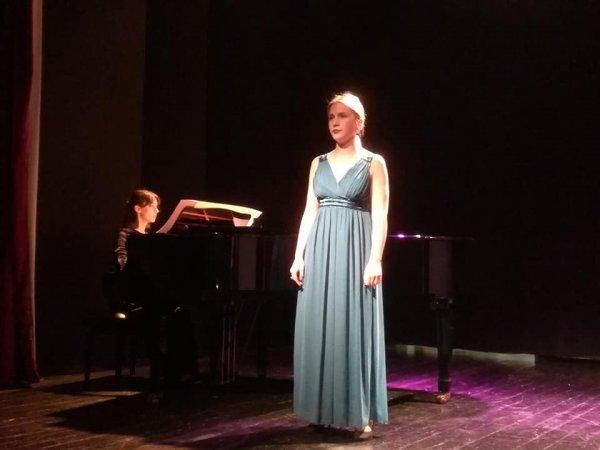 Mladi u operi (13)