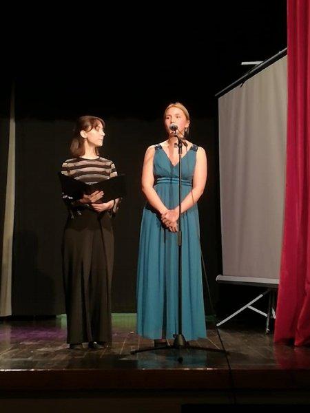 Mladi u operi (2)